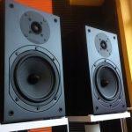 Kolumny głośnikowe podstawkowe